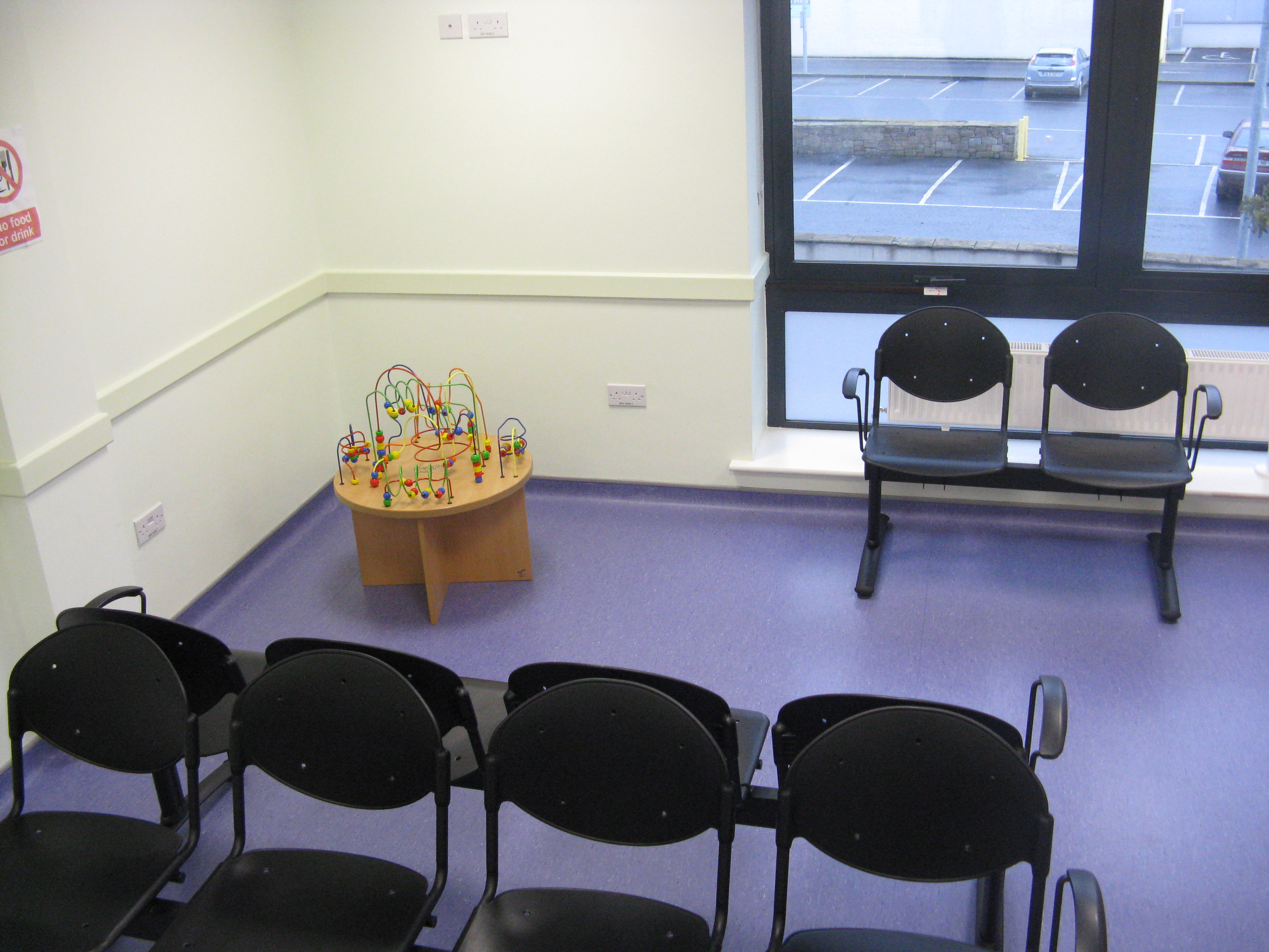 picture 2 of waiting room